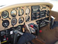 Cockpit display of the OO-VNI