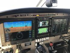 Garmin GTN650 tactile et Glass Cockpit Avidyne Entegra